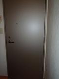 部屋の内側から扉撮影