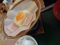 朝食 ベーコンエッグ