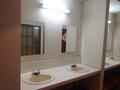 浴場前に男女共用洗面所