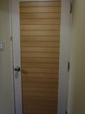 部屋 ドアの内側