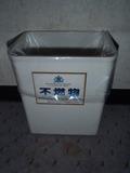 不燃物  ゴミ箱