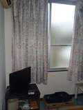 402号室の窓辺