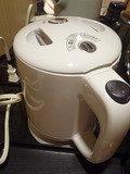 電気湯沸かしポット
