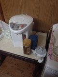 湯沸かしポットとインスタントコーヒー