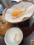 陶板でベーコンエッグ焼き