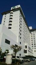 白いホテル外観