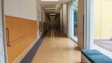 研修室につながる廊下