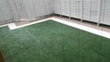 人工芝を敷いたスペースも