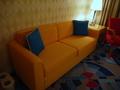 ドナルドダックルームのソファ