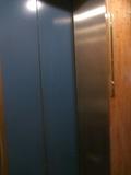 1階エレベーター前