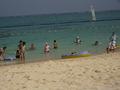 ホテルのプライベートビーチで安心
