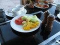 フレッシュフルーツの朝食