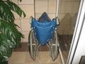 車いすが1台。