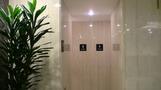 ロビーのトイレ。
