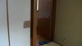 部屋の入口。