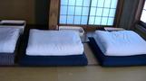 清潔な寝具。