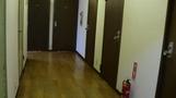 フローリングの廊下。