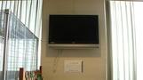 ロビーのテレビ。