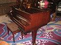 グランドピアノ。