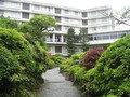庭園からみたホテル。