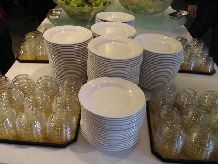 サラダの皿。