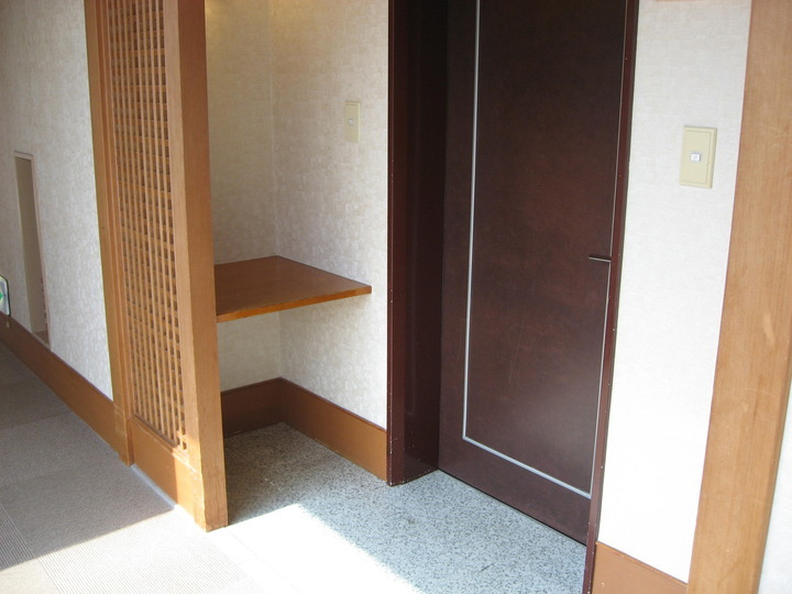 宵町亭のお部屋入口