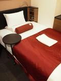 部屋に入ると、ベッドがドーン。