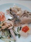 夕食は沖縄料理バイキング。