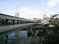 京橋駅からプロムナードで直結。