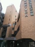 レンガ調の建物です