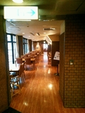 レストランは1階に。