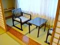 広縁の椅子とテーブル