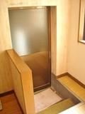 脱衣所から見た浴室の入り口