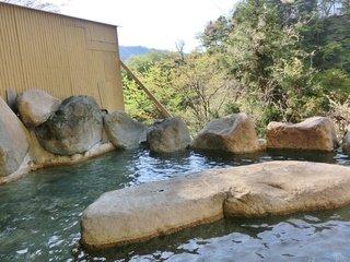 朝の岩露天風呂