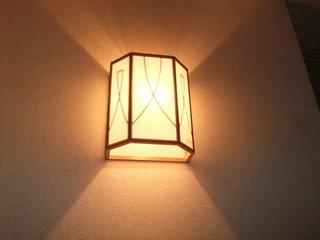 部屋の入り口のライトです