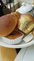 パンも種類が豊富でしたこんなに食べると他のお料理が…。