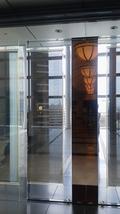 フロントロビーの入り口