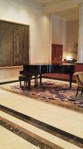 ラウンジのピアノ