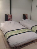 お部屋のベッド