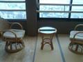 和室横のイスとテーブル