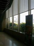 エントランスホール窓際