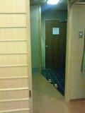 広い玄関周り