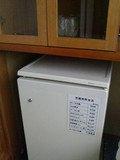 冷蔵庫と食器棚