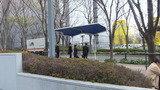 バス停が目の前にあります