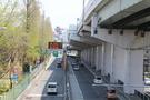 阪神高速の入口がすぐそばにあります