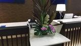 フロントカウンターにも花が飾られています