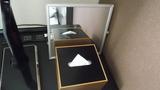 ティッシュボックスと鏡