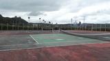 テニスコートもあります