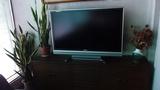 談話室には大きな液晶テレビもあります