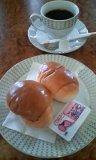 朝のパンとコーヒー